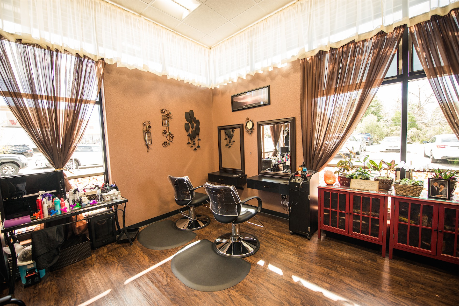 Phenix Salon Suites 187 Suite Interior Gallery