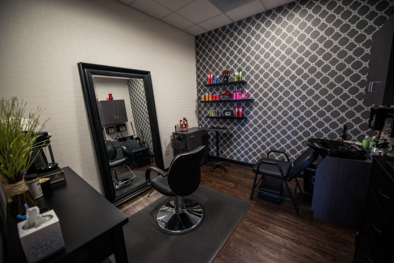Nice and Cozy Salon Private - Phenix Salon Suits